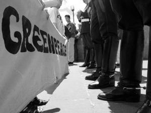 Greenpeace arma festa para celebrar mudanças e novo ano