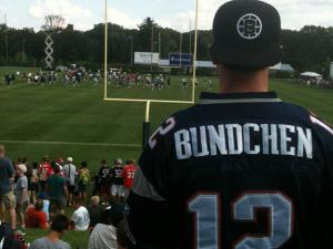 Fãs do New England Patriots fazem homenagem fashion a Gisele