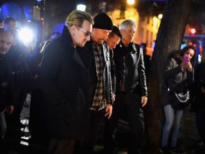 """Bono confirma shows em Paris e afirma: """"Nada nos impedirá de voltar"""""""