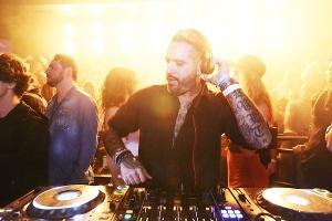 DJ francês Tito entrega apostas que vão ferver a pista neste verão