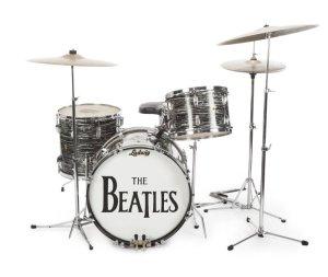 Ringo Starr fatura R$ 3,4 milhões com leilão e quebra recorde histórico