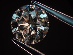 Com queda na produção, tendência é que preço dos diamantes suba