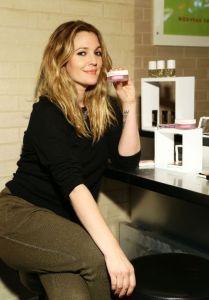 É hype: marca de beleza de Drew Barrymore vai ganhar o mundo