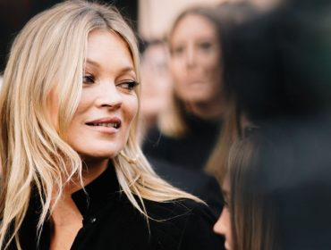 Glamurama comemora os 48 anos de Kate Moss com 20 vezes em que a modelo roubou a cena, para o bem e para o mal