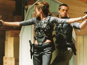 Angelina Jolie e Brad Pitt ganham presente inusitado de ex-apresentador de TV