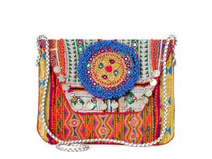 Desejo do Dia: texturas e cores na clutch Muzungu Sisters