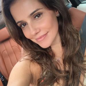 Deborah Secco volta a ficar loira e mostra resultado no Instagram