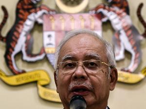 Primeiro-ministro da Malásia é absolvido de acusações de corrupção