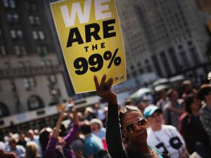 Os 62 mais ricos têm patrimônio de metade da população do mundo