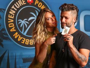 Giovanna Ewbank e Bruno Gagliasso em torneio de poker nas Bahamas