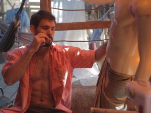 """Juliano Cazarré fala sobre cenas de nudez e sexo no longa """"Boi Neon"""""""