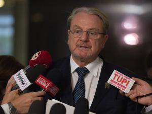 Governadores e prefeitos vão pressionar Senado a votar PEC dos Precatórios