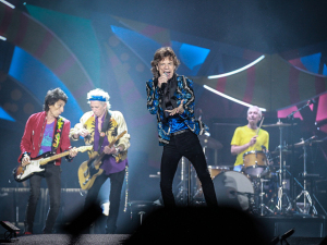 Os Rolling Stones seguem cantando e participando de fervos em SP