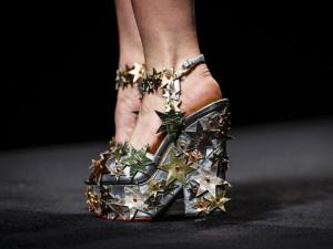 Direto das passarelas de Londres, 10 pares de sapato para aderir já