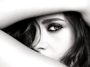 Kristen Stewart: rosto da Chanel e musa definitiva de Karl Lagerfeld
