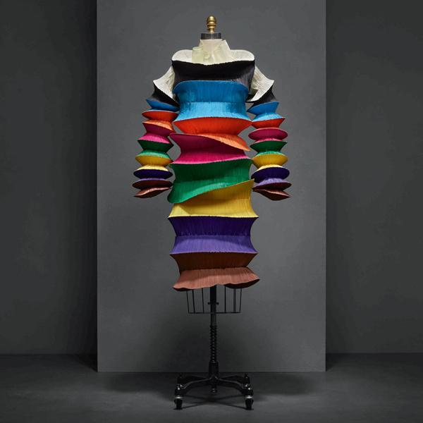 "Issey Miyake - ""Manus x Machina: Fashion in an Age of Technology"""