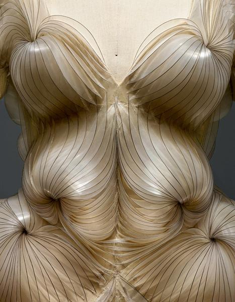 "Iris van Herpen - ""Manus x Machina: Fashion in an Age of Technology"""
