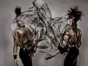 Björk como você nunca viu em editorial autoral criado por Nick Knight