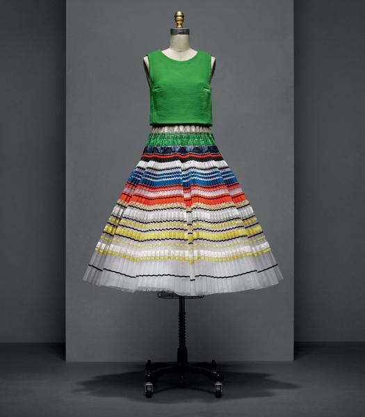 "Vestido Dior por Raf Simons - ""Manus x Machina: Fashion in an Age of Technology"""