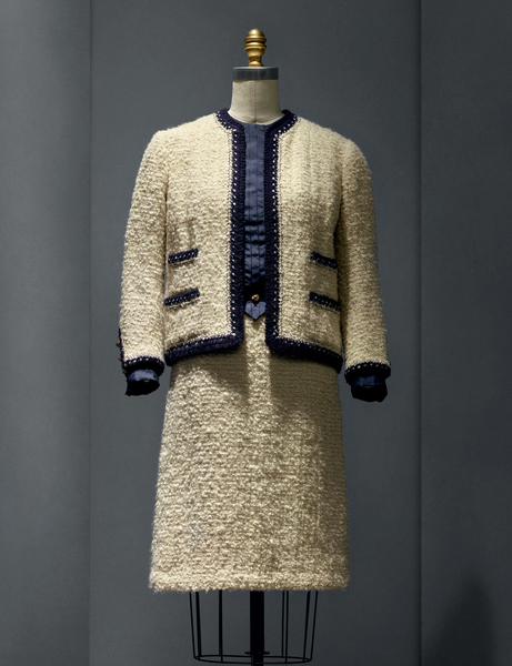 """Tailleur Chanel - """"Manus x Machina: Fashion in an Age of Technology"""""""