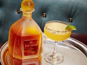 Drink mais caro do mundo é servido em bar de NY. Quanto custa?