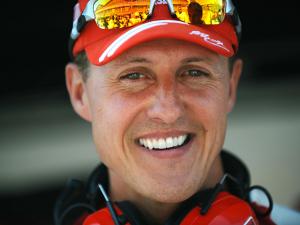 Apesar do estado crítico de saúde, Schumacher segue faturando