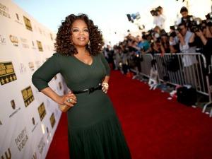 Oprah ganhou mais de um milhão para cada quilo perdido. Entenda