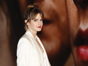 Ui! Emma Watson revela qual site sobre sexo ela costuma acessar