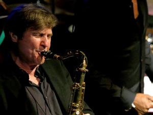 Dupla da banda dos Stones reúne músicos brasileiros para show de jazz