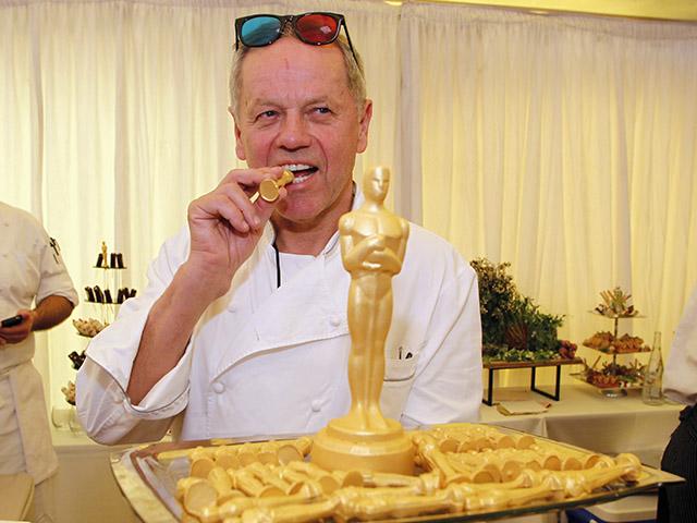 Chef Wolfgang Puck o dono do cardápio da festa pós-Oscar