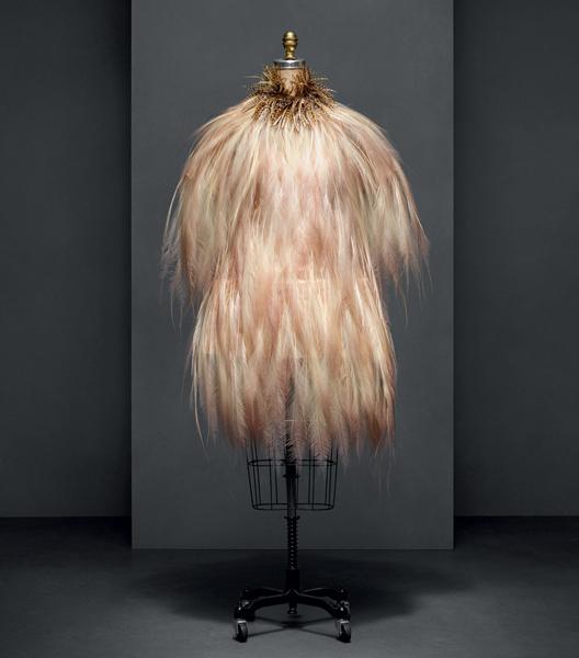 "Vestido Yves Saint Laurent - ""Manus x Machina: Fashion in an Age of Technology"""