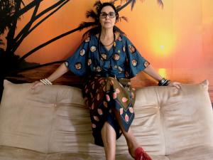 A figurinista Claudia Kopke conta suas histórias e mostra seu estilo na J.P