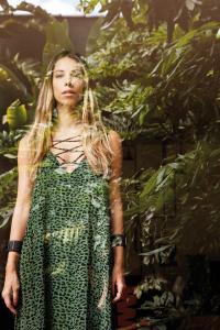 O estilo boho da empresária Isabela Frugiuele para a revista J.P