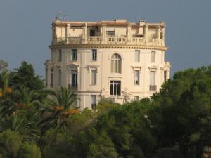 Dono da Campari põe à venda vila em região poderosa da Côte D'Azur