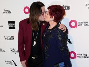 """Sharon Osbourne solta: """"Nunca confie em uma babá"""". Oi?"""