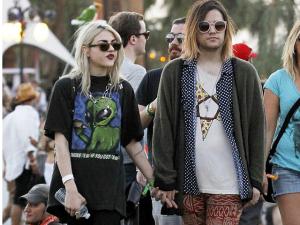 Frances Cobain, que se casou sem a mãe Courtney, já pediu o divórcio
