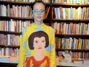"""O estilo de Mari Stockler – e seu guarda-roupa cheio de """"achados"""""""
