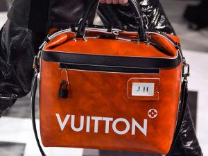 Desejo do Dia: a pegada vintage da bolsa-frasqueira by Louis Vuitton