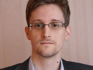Edward Snowden ironiza grampo de Dilma Rousseff e Lula