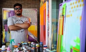 Telas gigantes de grafite são expostas em galeria carioca