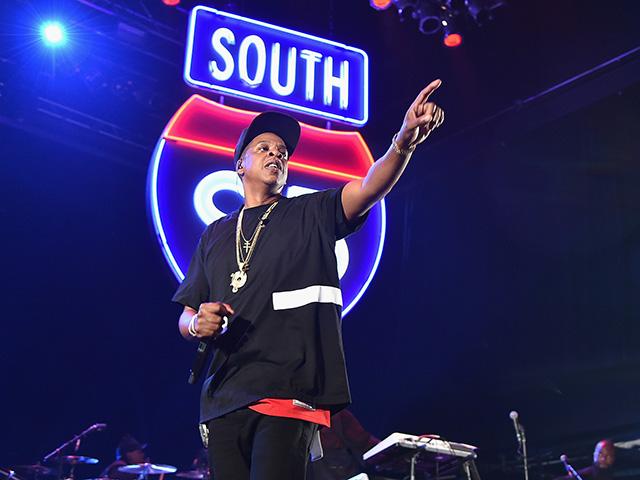 Jay-Z durante apresentação em Nova York transmitida com exclusividade pelo Tidal