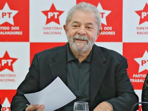 """Lula sobre delação da Andrade: """"Se não citarem o Aécio, aí é brincadeira"""