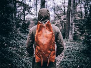 Top marca de bolsas de couro americana lança modelo para os viajantes