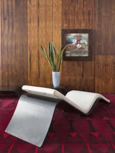 Ruy Teixeira e Jayme Vargas lançam livro sobre mobiliário brasileiro