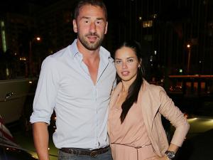 Adriana Lima oficializa separação com jogador Marko Jaric