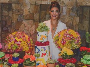 Juliana Paes ganha festa surpresa em seu aniversário de 37 anos