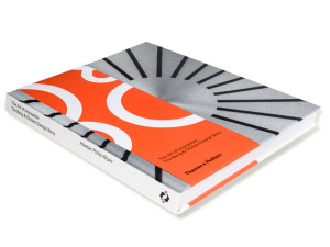 Bang & Olufsen lança livro para celebrar 90 anos de história