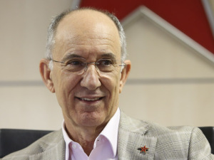 Críticas de Mercadante a presidente do PT ampliammal-estar