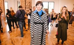 Reinaldo Lourenço desfila sua pop couture no Teatro FAAP