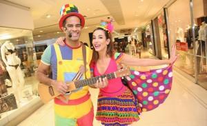 Clique a clique, o pocket show de Tânia Khalill e Jair Oliveira no Pátio Paulista